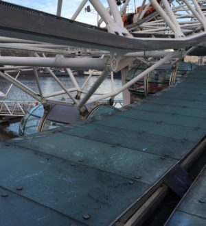 london eye glass canopy